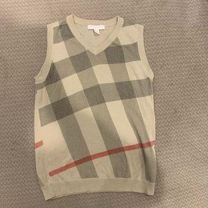 Boys Burberry vest size 8